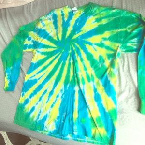 Great 🍭 Long sleeve Tye-Dye teeLarge & beautiful!